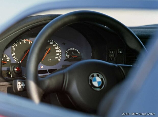 BMW M8 (E31)