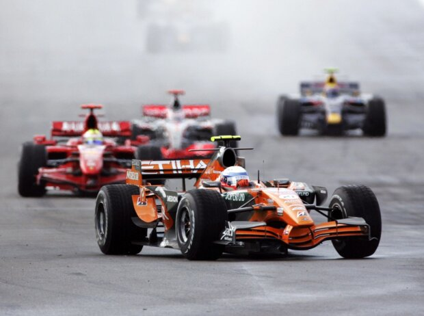 Markus Winkelhock, Felipe Massa, Fernando Alonso, Mark Webber