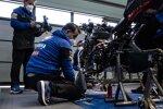 Yamaha-Mechaniker bei der Arbeit
