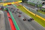 Lewis Hamilton (Mercedes), Max Verstappen (Red Bull) und Sergio Perez (Red Bull)