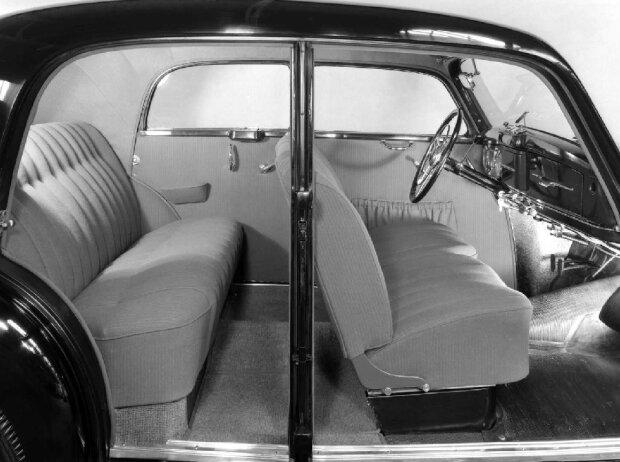 Mercedes-Benz 220 (1951-1955)