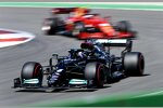 Lewis Hamilton (Mercedes) und Carlos Sainz (Ferrari)