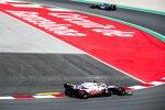 Sebastian Vettel (Aston Martin) und Nikita Masepin (Haas)