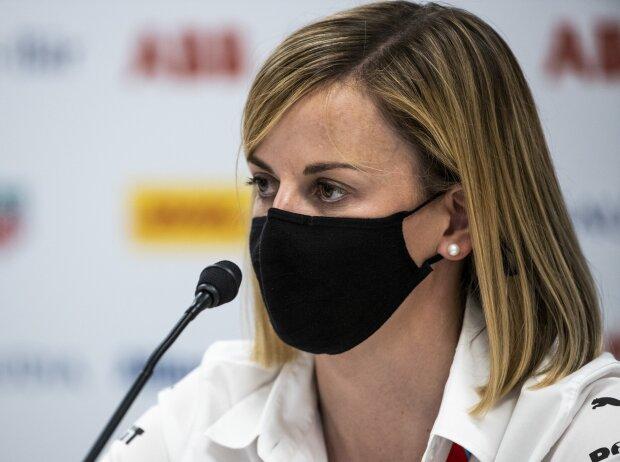 Susie Wolff bei der Pressekonferenz vor dem Formel-E-Rennen in Monaco 2021