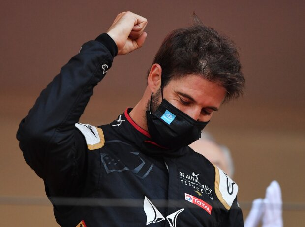Antonio Felix da Costa bejubelt den Sieg beim Monaco-E-Prix 2021
