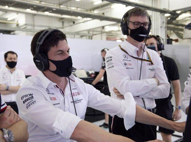 Toto Wolff (Teamchef) und James Allison (Technischer Direktor von Mercedes)
