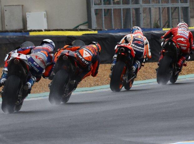 Renn-Action im Regen beim GP Frankreich 2020 in Le Mans