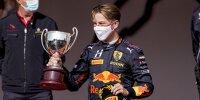 Liam Lawson bei der Siegerehrung nach dem zweiten Sprintrennen der Formel 2 in Monaco 2021