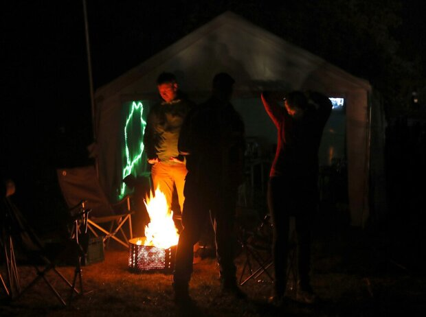 24h Nürburgring, Fans, Camping, Lagerfeuer, Zuschauer