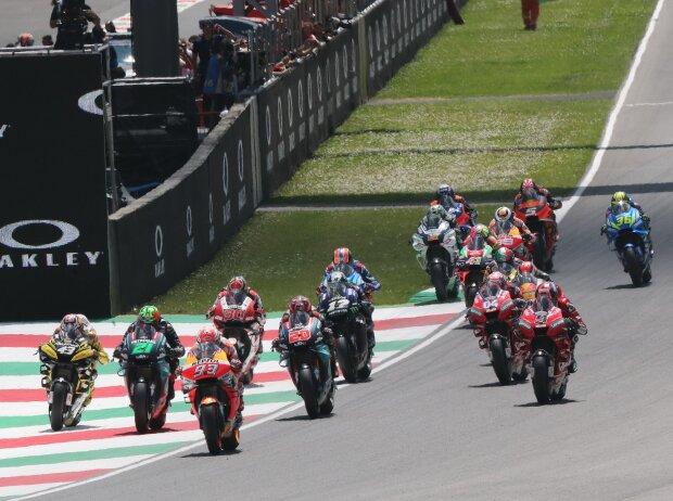 Start zum GP Italien 2019 in Mugello: Marc Marquez führt