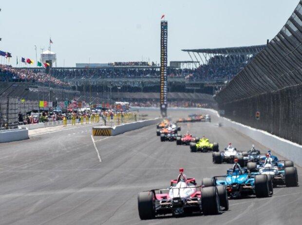 Renn-Action beim Indy 500 der IndyCar-Saison 2021