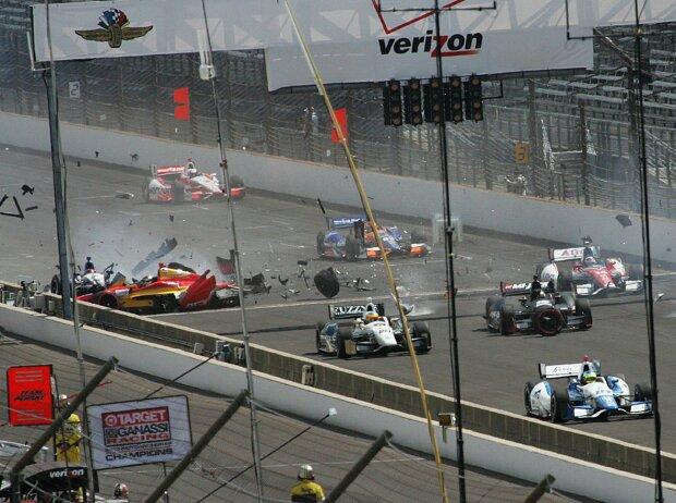 Startcrash beim Indianapolis-Grand-Prix 2014