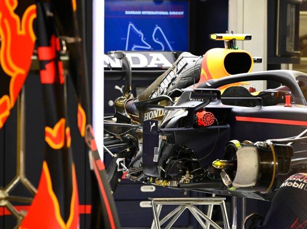 Red Bull RB16B in der Box