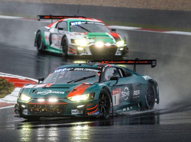 GT3-Fahrzeuge von Audi im Regen auf dem Nürburgring