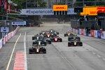 Max Verstappen (Red Bull), Sergio Perez (Red Bull) und Lewis Hamilton (Mercedes)