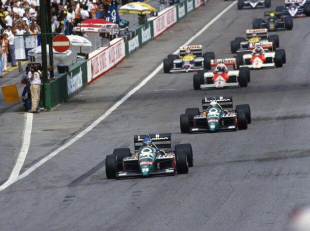 Start zum GP Österreich 1986 auf dem Österreichring in Zeltweg: Gerhard Berger führt