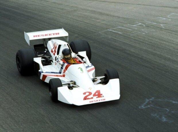 James Hunt 1975 in Monza im Hesketh 308C