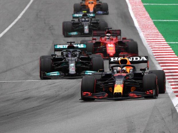 Max Verstappen vor Lewis Hamilton, Charles Leclerc, Valtteri Bottas beim Spanien-Grand-Prix 2021 in Barcelona