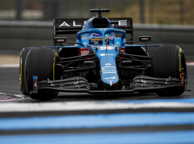 Fernando Alonso (Alpine) im Qualifying zum Grand Prix von Frankreich in Le Castellet (Circuit Paul Ricard) 2021