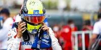 Mick Schumacher zieht sich vor dem Formel-1-Rennen in Le Castellet den Helm über