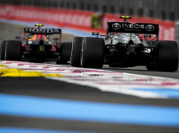 Sergio Perez vor Valtteri Bottas in Le Castellet