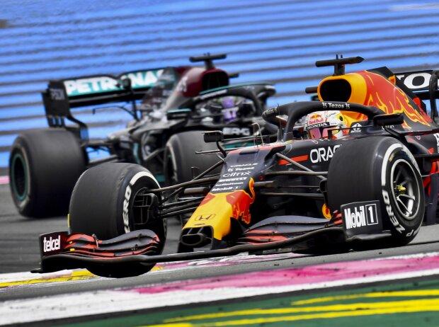 Max Verstappen vor Lewis Hamilton beim Frankreich-Grand-Prix 2021