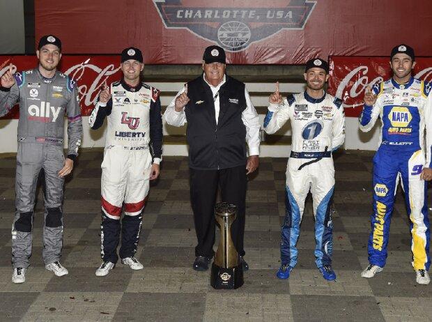 Rick Hendrick mit seinen vier Rennsiegern 2021: Alex Bowman, William Byron, Kyle Larson, Chase Elliott