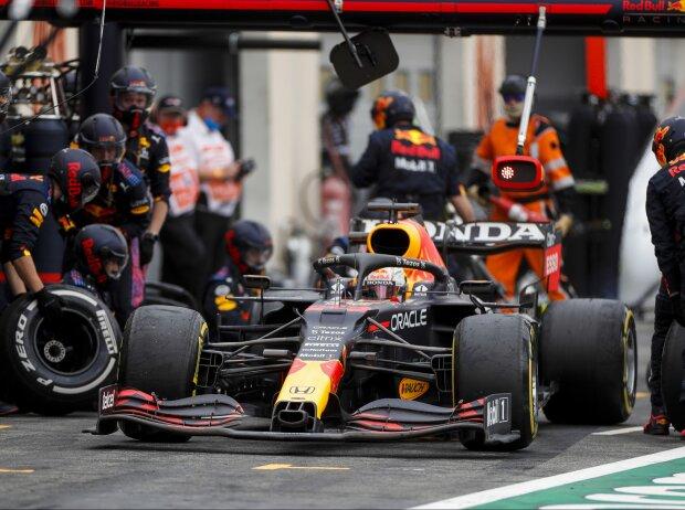 Max Verstappen (Red Bull) beim Boxenstopp