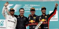 Dan Fallows (Zweiter von links) auf dem Formel-1-Podium 2017 in Malaysia mit Lewis Hamilton, Max Verstappen und Daniel Ricciardo