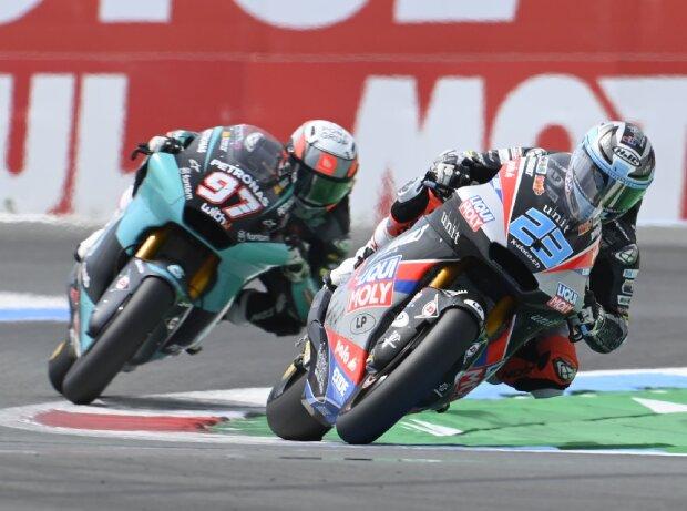 Moto2-Pilot Marcel Schrötter (IntactGP) mit Xavi Vierge auf dem TT Circuit Assen
