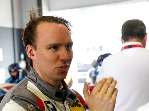 Christian Krognes in einer Box am Nürburgring