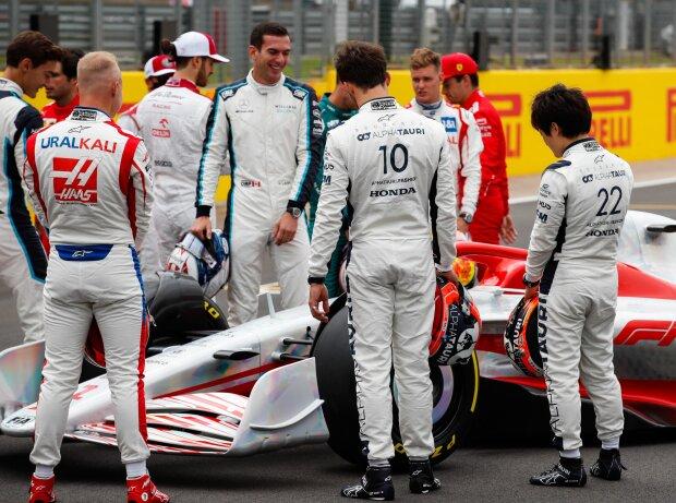 George Russell, Carlos Sainz, Kimi Räikkönen, Antonio Giovinazzi, Nicholas Latifi, Pierre Gasly, Mick Schumacher, Charles Leclerc, Yuki Tsunoda