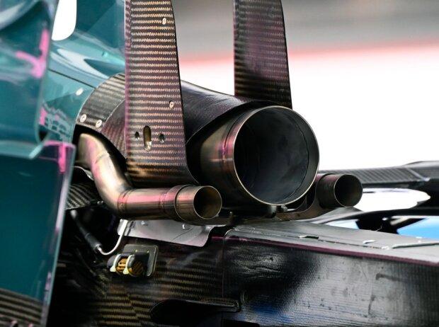 Formel-1-Auspuff am Aston Martin AMR21 in der Saison 2021