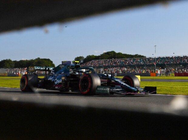 Sebastian Vettel (Aston Martin) beim Großen Preis von Großbritannien der Formel 1 in Silverstone