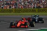 Carlos Sainz (Ferrari) und Sebastian Vettel (Aston Martin)