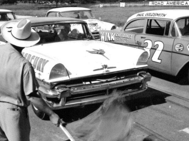 Start zum Rennen der NASCAR Grand National Series 1956 in Elkhart Lake: Tim Flock, Paul Goldsmith