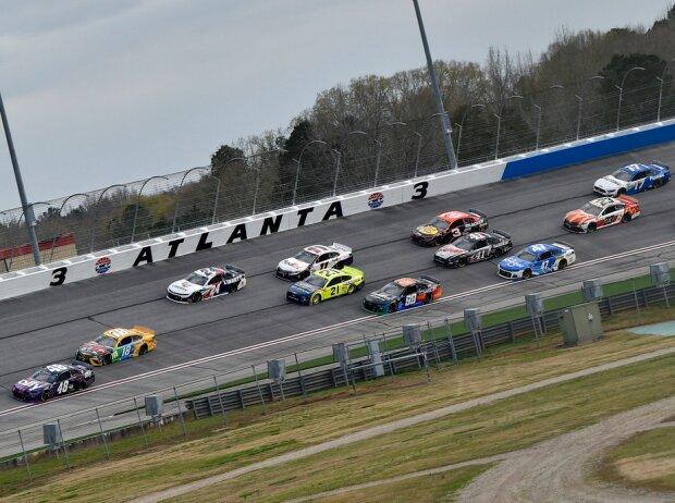 NASCAR-Action auf dem Atlanta Motor Speedway im März 2021