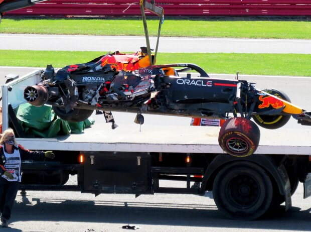 Das Unfallauto von Max Verstappen nach der Kollision mit Lewis Hamilton in Silverstone 2021