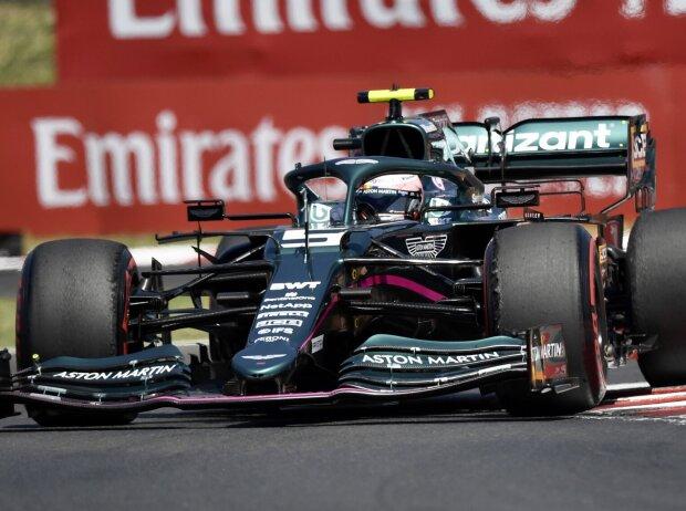 Sebastian Vettel im Aston Martin AMR21 beim Grand Prix von Ungarn der Formel 1 2021 auf dem Hungaroring in Mogyorod bei Budapest