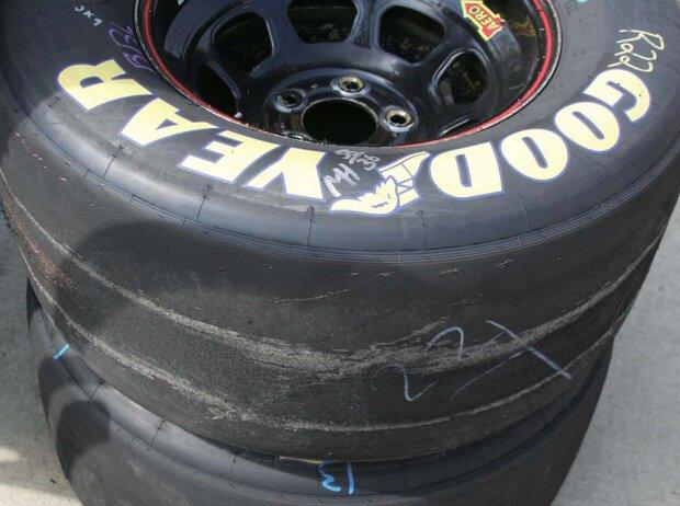 Kaputte Goodyear-Reifen beim Brickyard 400 in Indianapolis 2008