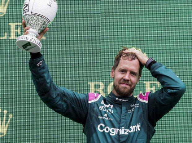 Aston-Martin-Fahrer Sebastian Vettel nach P2 im Grand Prix von Ungarn der Formel 1 2021 in Budapest