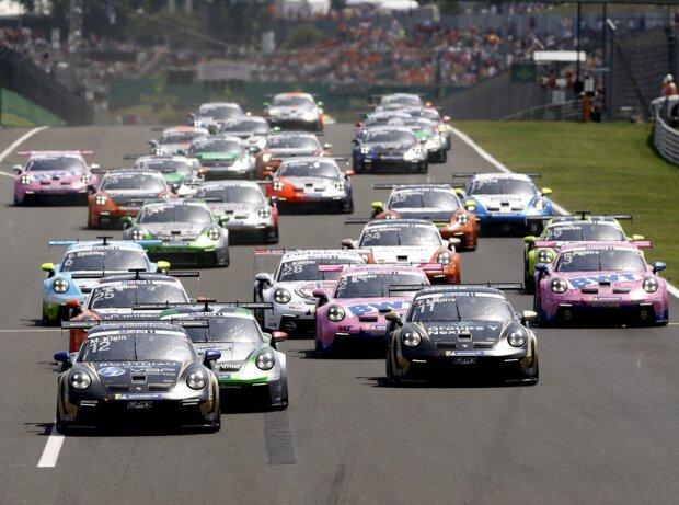 Start des Porsche-Supercup 2021 auf dem Hungaroring bei Budapest
