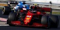 Carlos Sainz im Ferrari SF21 vor Fernando Alonso im Alpine A521 beim Grand Prix von Ungarn der Formel 1 2021 in Budapest