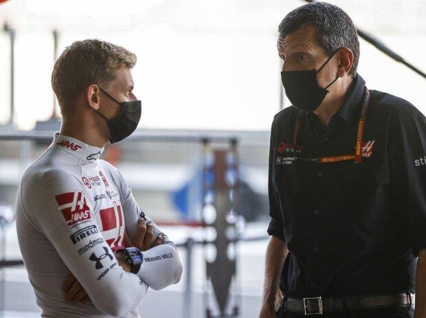 Mick Schumacher und Günther Steiner (Haas)