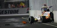 Nelson Piquet Jun. entsteigt seinem Renault-Wrack nach einem absichtlichen Unfall in Singapur