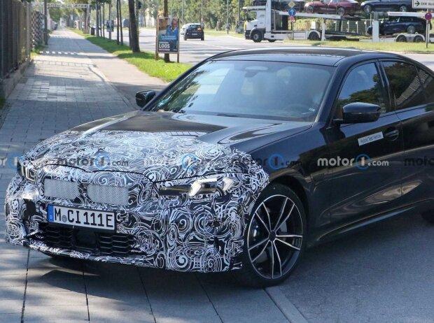 Das Curved Display im BMW iX (2021)