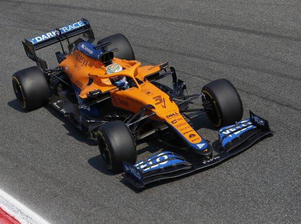 Daniel Ricciardo im McLaren MCL35M beim Grand Prix von Italien der Formel 1 2021 in Monza in der Parabolica-Kurve