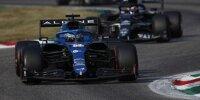 Fernando Alonso im Alpine A521 vor Yuki Tsunoda im AlphaTauri AT02 beim Grand Prix von Italien der Formel 1 2021 in Monza
