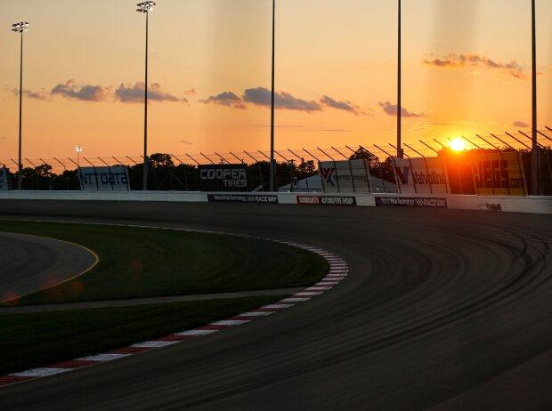 Sonnenuntergang im Gateway Motorsports Park in St. Louis
