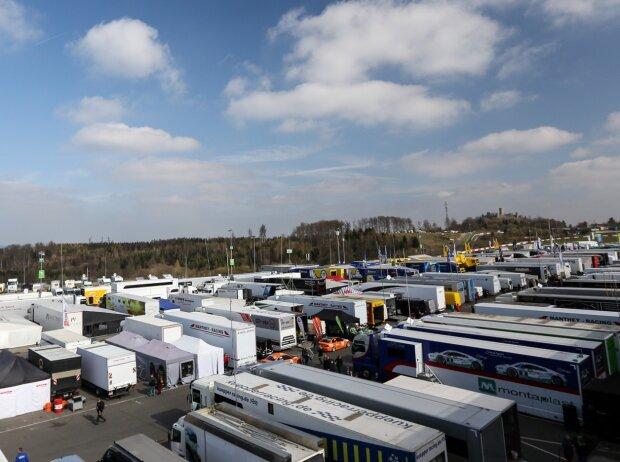 VLN, NLS, Nürburgring-Langstrecken-Serie, Fahrerlager